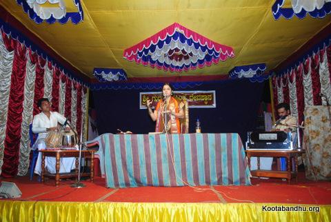ಶ್ರೀಮತಿ ಮಂಜುಳಾ ಜಿ ರಾವ್ ಇರಾ ಬೆಂಗಳೂರು ಇವರು ಹರಿಕಥೆಯನ್ನು ಮಾಡಿದರು