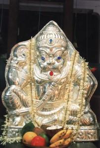 ಬೆಳ್ಳಿ ಮುಖವಾಡ