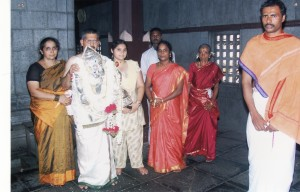 ಬೆಳ್ಳಿ ಮುಖವಾಡದ ದಾನಿ ಶ್ರೀ ರಾಮದಾಸ್ ರಾವ್ ಮತ್ತು ಮನೆಯವರು