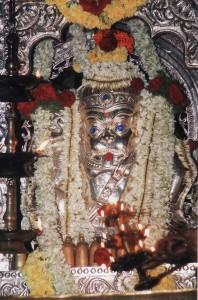ಬೆಲ್ಲಿಮುಖವಾಡದಲ್ಲಿ ಅಲಂಕ್ರತಗೊಂಡ ಶ್ರೀಗುರುನರಸಿಂಹ ದೇವರು